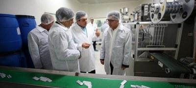 KFZO Head Visits Two Knowledge Enterprises in Kish