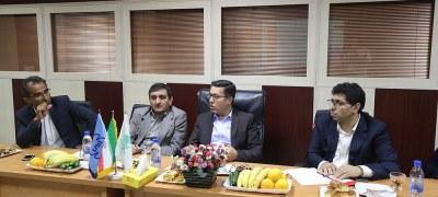 بررسی وضعیت تخلیه وبارگیری کالا در بندر کیش درنشستی با حضور دکتر انصاری لاری